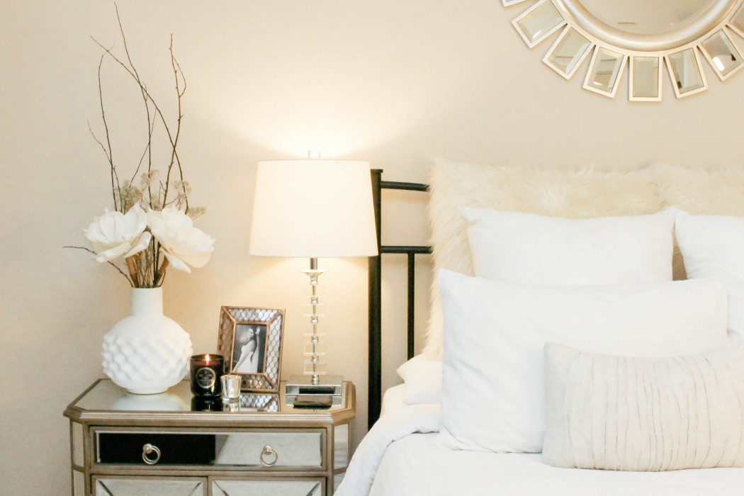 style at home nightstand vignettes