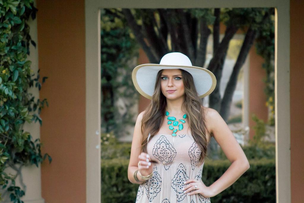 #OOTD // Poolside Cover-Up | BondGirlGlam.com