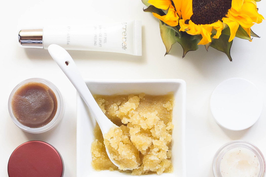 Best Lip Scrubs + An Easy DIY Recipe | BondGirlGlam.com