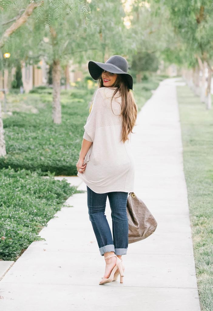 #BumpStyle // Light Cardigan & Rolled Up Jeans | BondGirlGlam.com