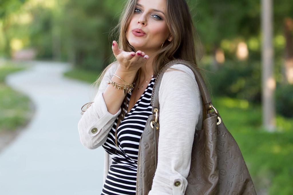 #BumpStyle // Ruched Dress & Cardigan | BondGirlGlam.com