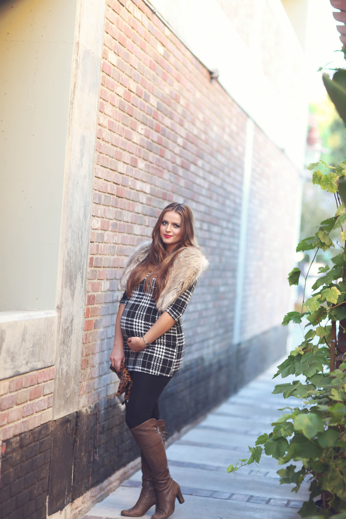 #BumpStyle // Houndstooth Plaid Tunic & Boots | BondGirlGlam.com