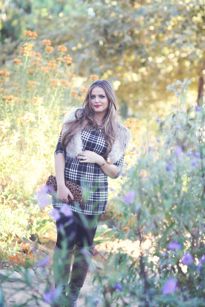 #BumpStyle // Houndstooth Plaid Tunic & Boots | BondGirlGlam.com