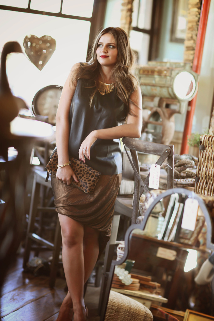maternity_fashion_bond_girl_glam_irina_bond_pregnancy_style_leather_bailey_44_leather_shirt_metallic_skirt_bleudog_fotography10