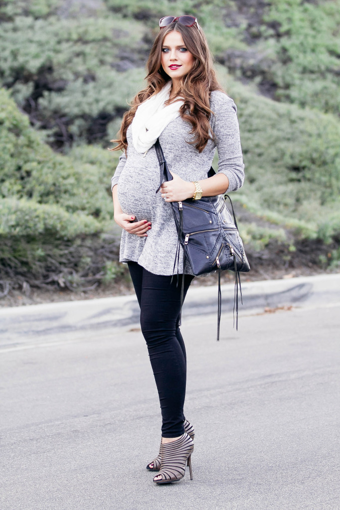 #BumpStyle // Grey Tunic & Black Skinny Jeans | BondGirlGlam.com