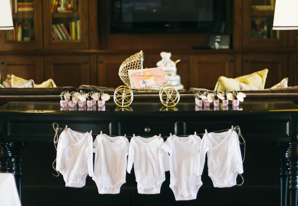 Elegant Baby Shower | BondGirlGlam.com
