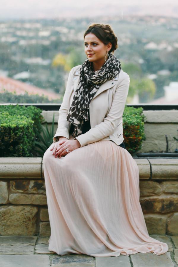 #OOTD // Leather Jacket & Pleated Chiffon Maxi Skirt | BondGirlGlam.com
