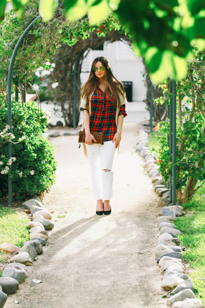 #OOTD // Red Plaid Shirt & White Distressed Jeans   BondGirlGlam.com