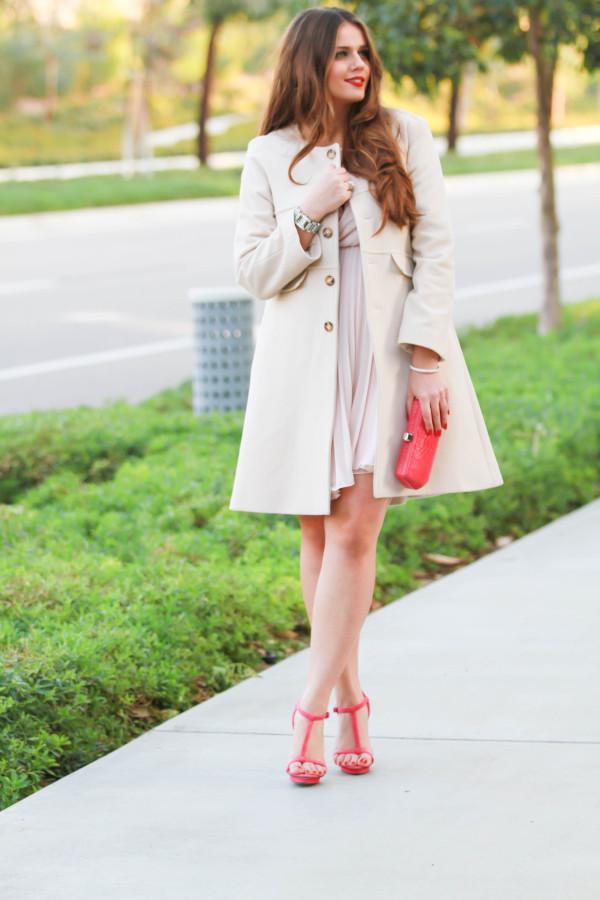 #OOTD // Blush Pink Coat & Fuchsia Accents | BondGirlGlam.com