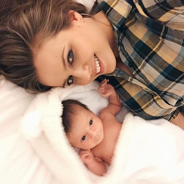 irinabond_4_week_old_baby_newborn_post_bath