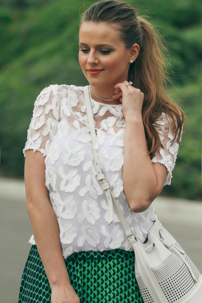 #OOTD // Floral Embellished Top & Green Maxi Skirt | BondGirlGlam.com