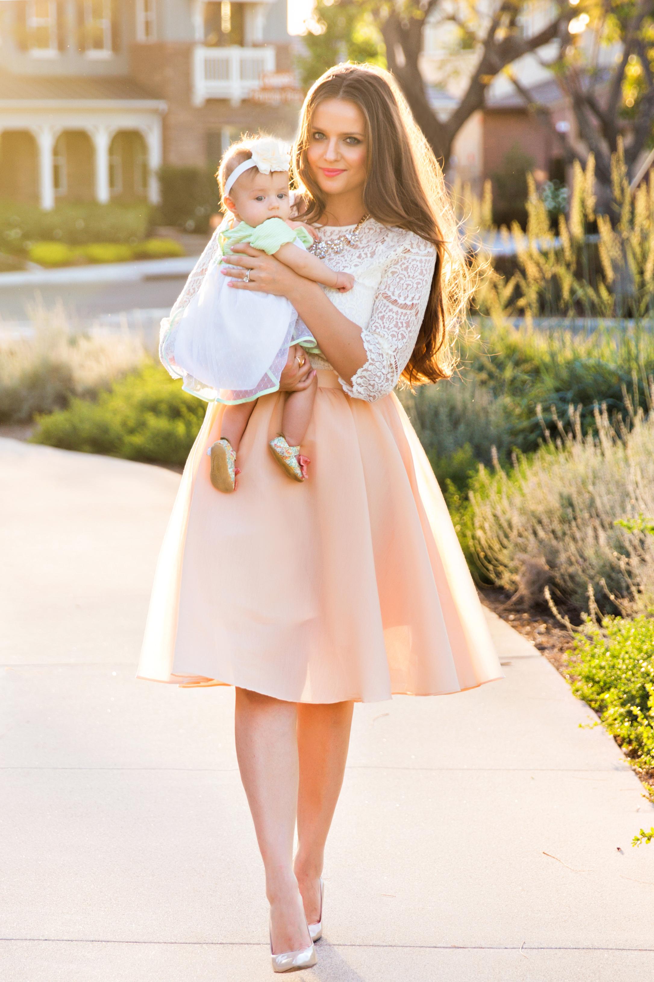OOTD // Lace Top & Peach Midi Skirt | BondGirlGlam.com