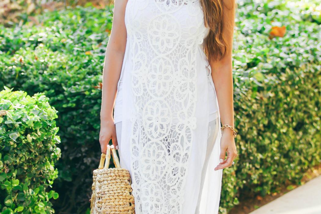 #OOTD // Long White Lace Shirt & Grey Skinny Jeans | BondGirlGlam.com