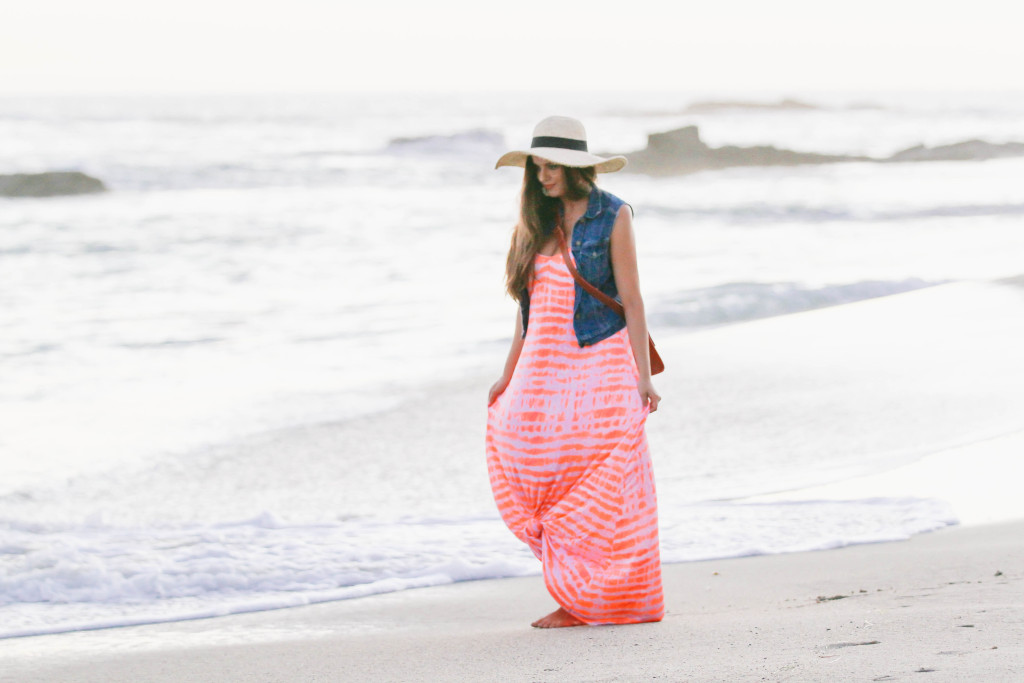 #OOTD // Tie-Dye Maxi on the Beach | BondGirlGlam.com