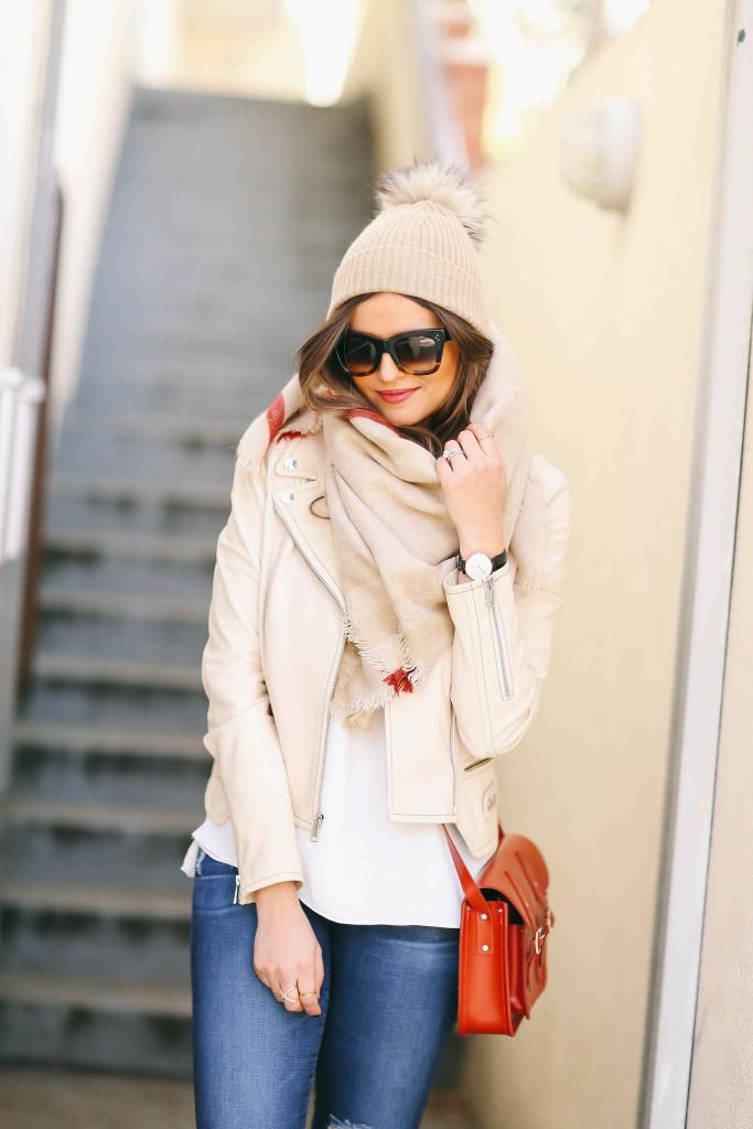 5 Ways to Wear a Blanket Scarf | BondGirlGlam.com