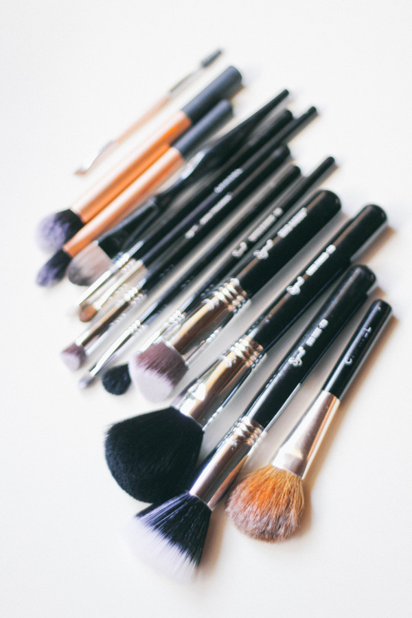 5 Reasons You Need New Makeup Brushes | BondGirlGlam.com