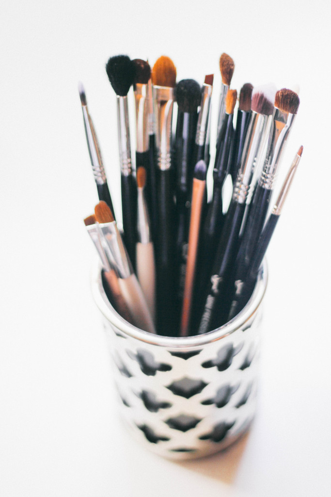 5 Signs You Need New Makeup Brushes