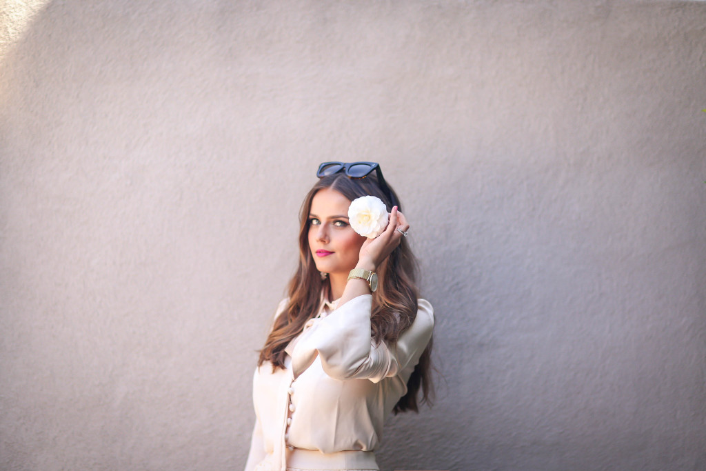 #OOTD // Camellia In Her Hair   BondGirlGlam.com