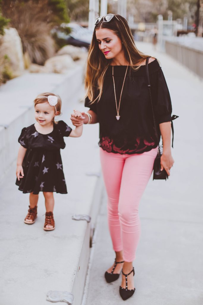 #OOTD // Black Off-the-Shoulder Cutout Top & Pink Skinny Jeans | BondGirlGlam.com