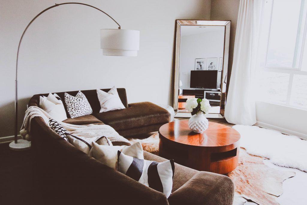 Updated Living Room for the New Year | BondGirlGlam.com