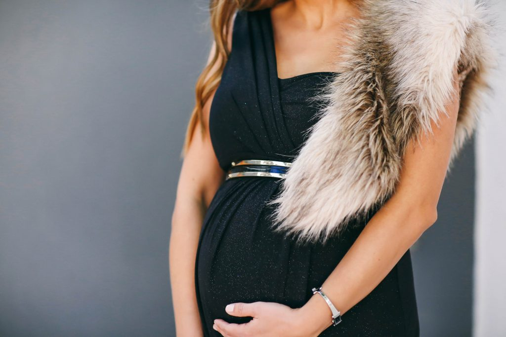 #BumpStyle // Glamorous One-Shoulder Black Maternity Evening Gown | BondGirlGlam.com