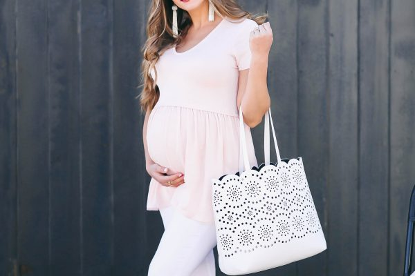 #BumpStyle // Blush Pink T-Shirt & The Best White Maternity Jeans | BondGirlGlam.com