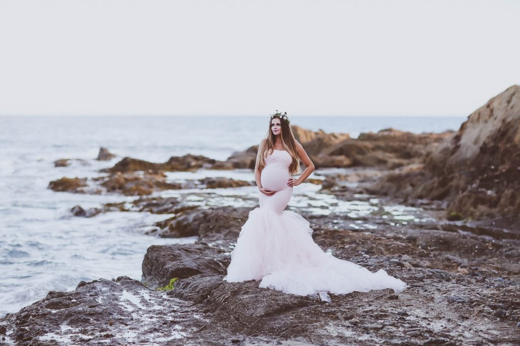 #BumpStyle // Mermaid Style Tulle Maternity Gown on the Beach | BondGirlGlam.com