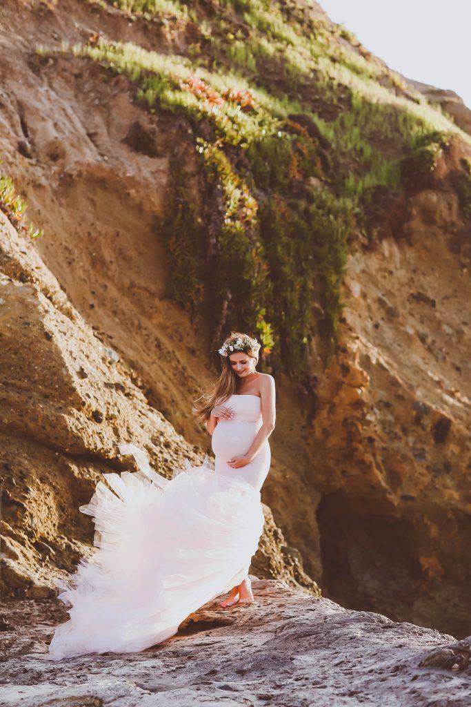 #BumpStyle // Mermaid Style Tulle Maternity Gown on the Beach   BondGirlGlam.com