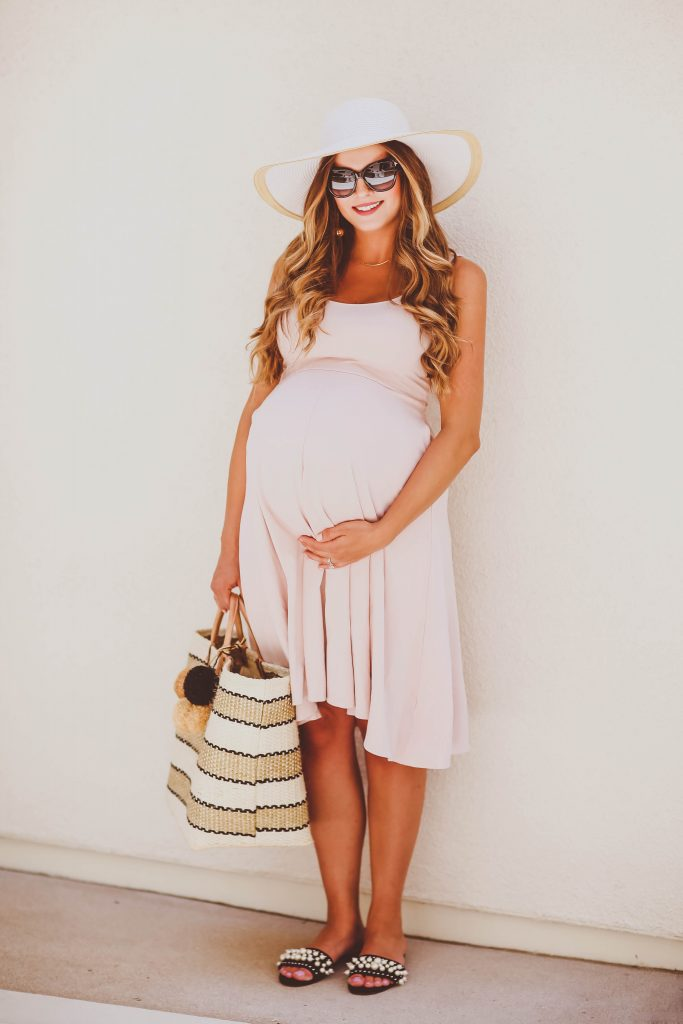#BumpStyle // Blush Pink Midi Dress & Woven Pom Pom Tote | BondGirlGlam.com