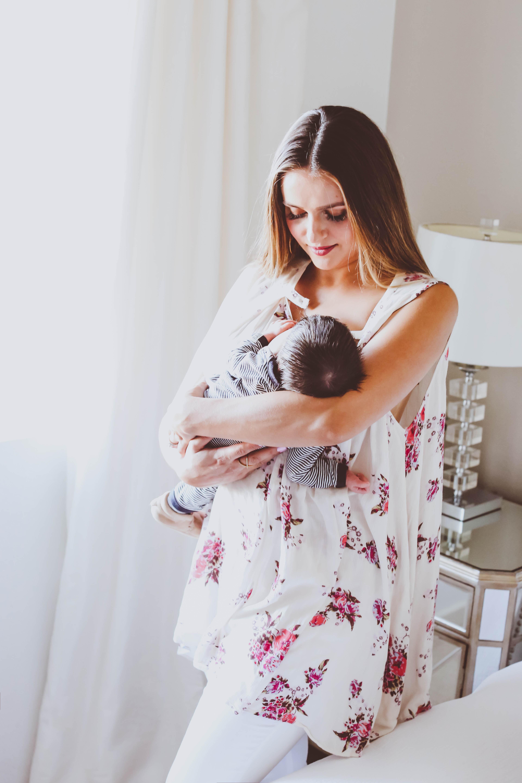 10 Tips for Breastfeeding Mamas   BondGirlGlam.com