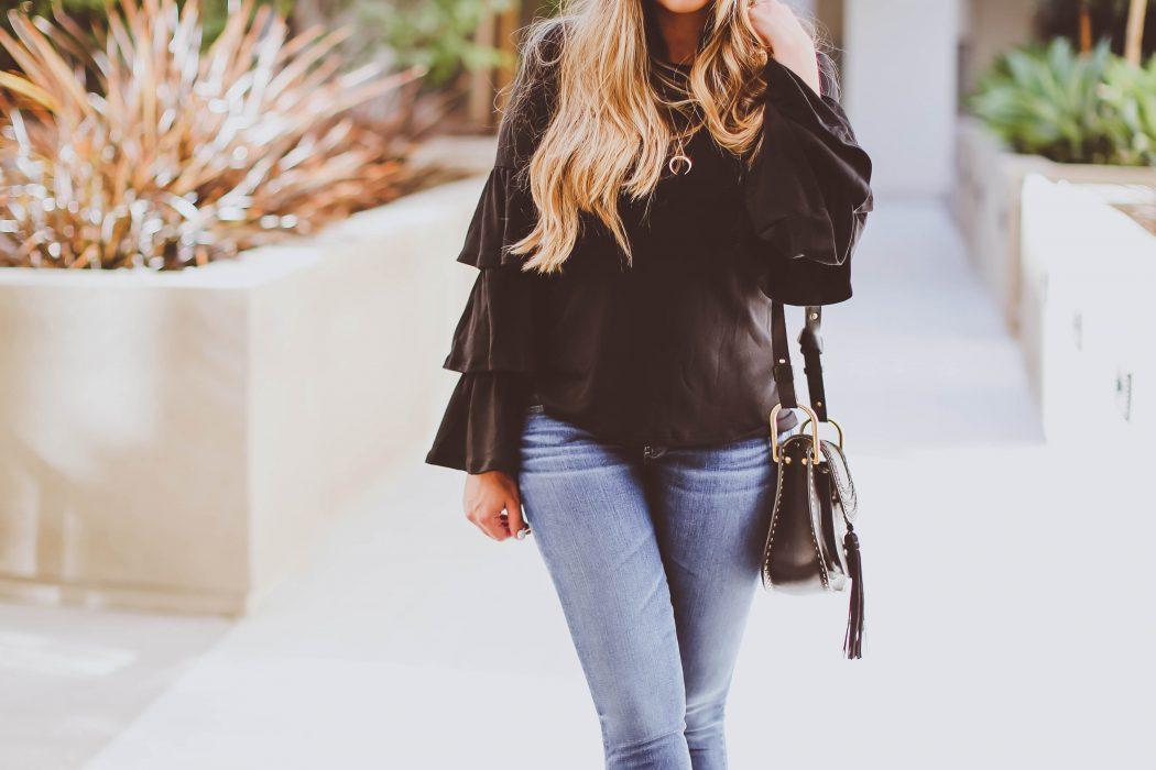 #OOTD // Black Tiered Bell Sleeve Top & Raw Hem Skinny Jeans | BondGirlGlam.com