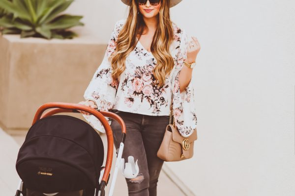 #OOTD // Floral Ruffle Bell Sleeve Blouse, Grey Skinnies & Blush Loafer Flats | BondGirlGlam.com