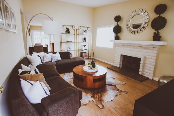 A Few Spring Touches in Our Living Room with Balsam Hill | BondGirlGlam.com