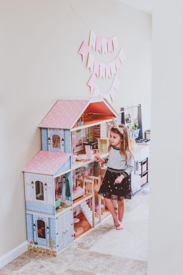 Christmas Gift Ideas for 2-4 Year Olds | BondGirlGlam.com